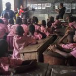 Découverte de l'application Wakpon au Centre scolaire Saint Emmanuel, Cotonou, avril 2016©Fondation Zinsou
