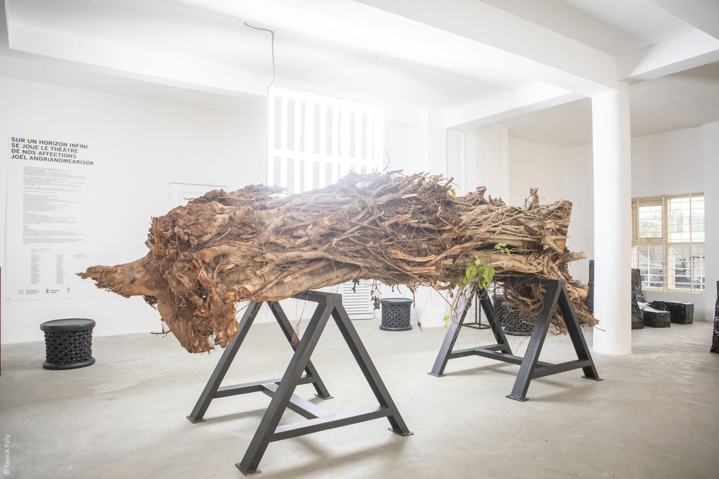 Joël Andrianomearisoa, La lumière noire, 2015 © Fondation Zinsou